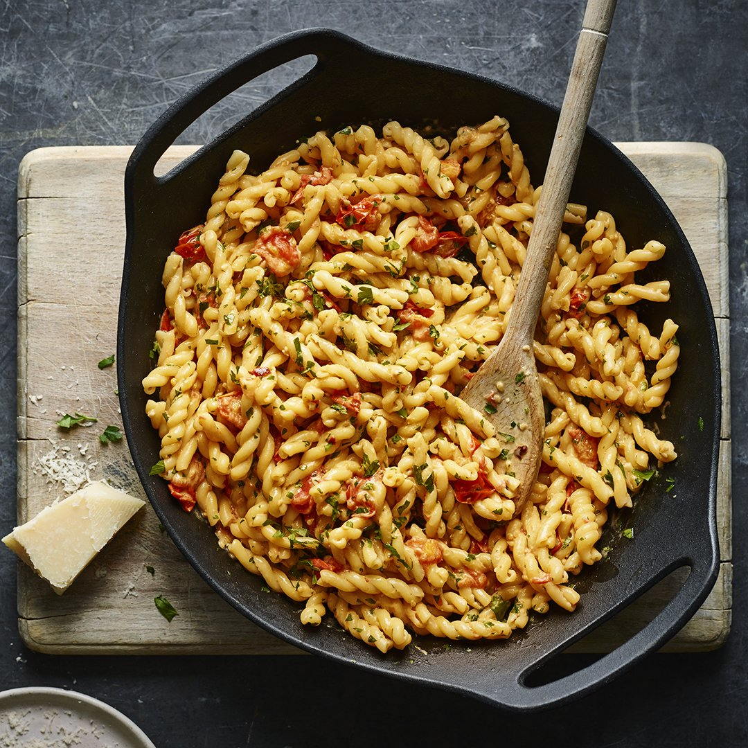 Planning next week's meals? Pasta is good for the budget https://www.bbc.com/food/collections/cheap_italian_family_favourites…