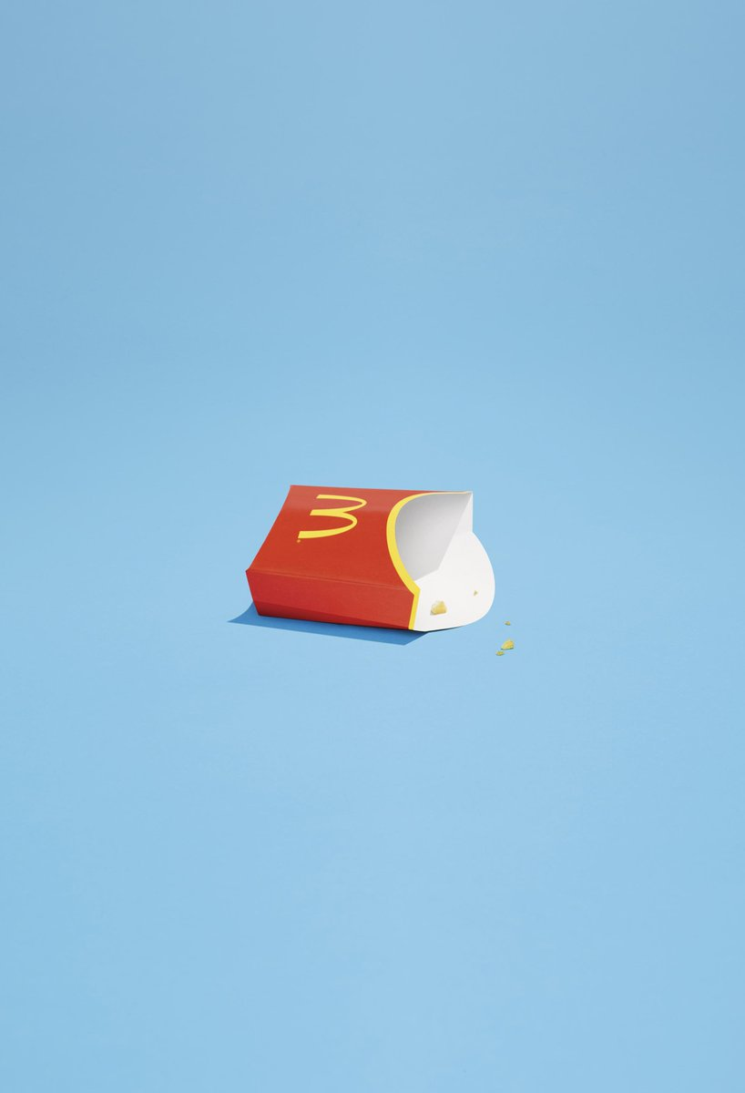 これが広告として成立してしまうのがマクドナルドの凄いところだと思う。もはや商品を写し出す必要すらない。