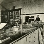 Image for the Tweet beginning: What did a chemistry lab