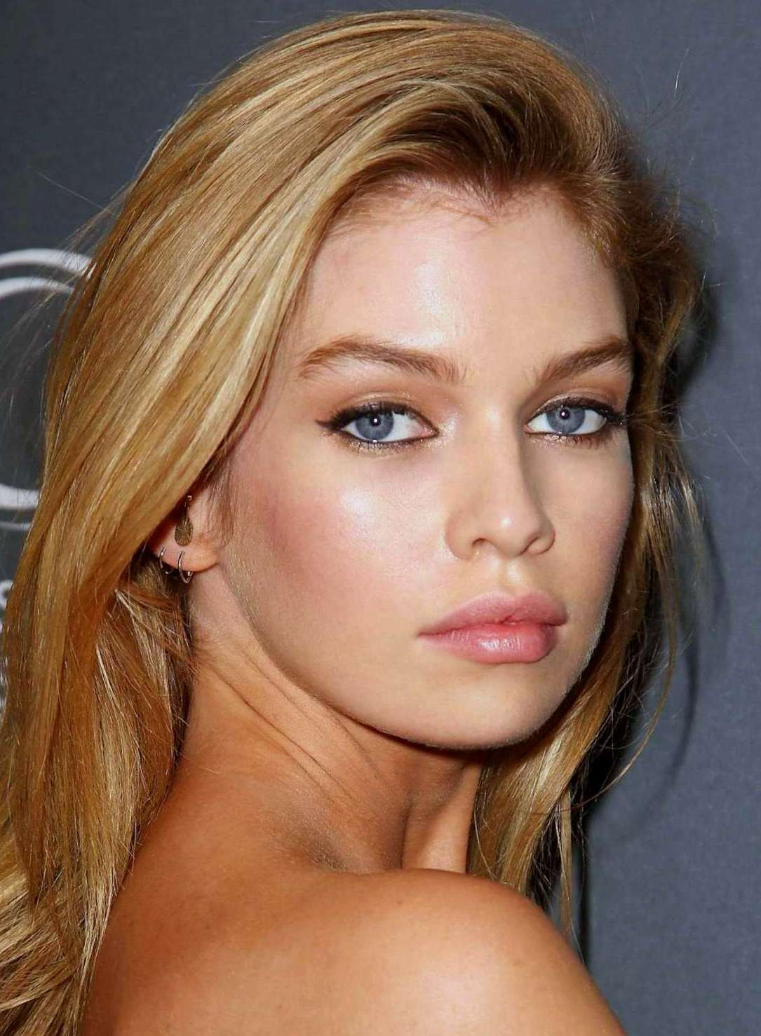 Stella Maxwell May 15 Sending Very Happy Birthday Wishes! All the Best! Cheers!