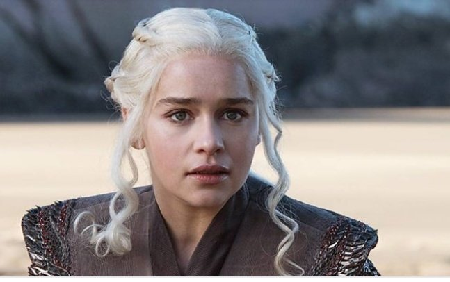 Let&#39;s settle this Who is more wicked?  RT for Daenerys, Like for Cersei  #Gameofthrones  #JWWhiteWalker <br>http://pic.twitter.com/wDh6ZQ6REG