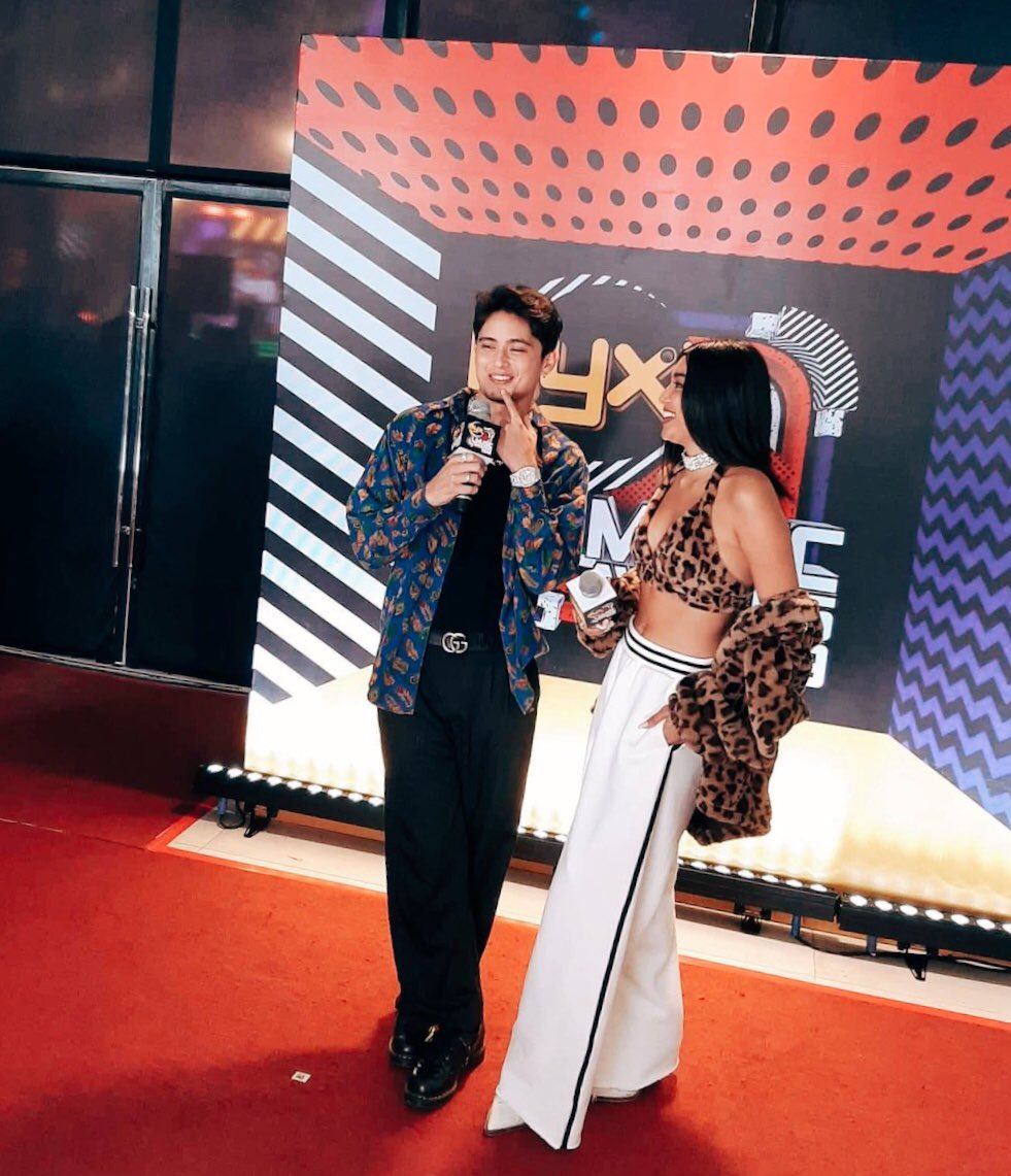 """#MyxMusicAwards2019  The young, multimedia royal couple of #NadineLustre and #JamesReid also celebrate a win tonight for Movie Soundtrack of the Year, for the song """"Prom"""" in the film #NeverNotLoveYou #MMAs2019 <br>http://pic.twitter.com/P3vq1Xs8CB"""