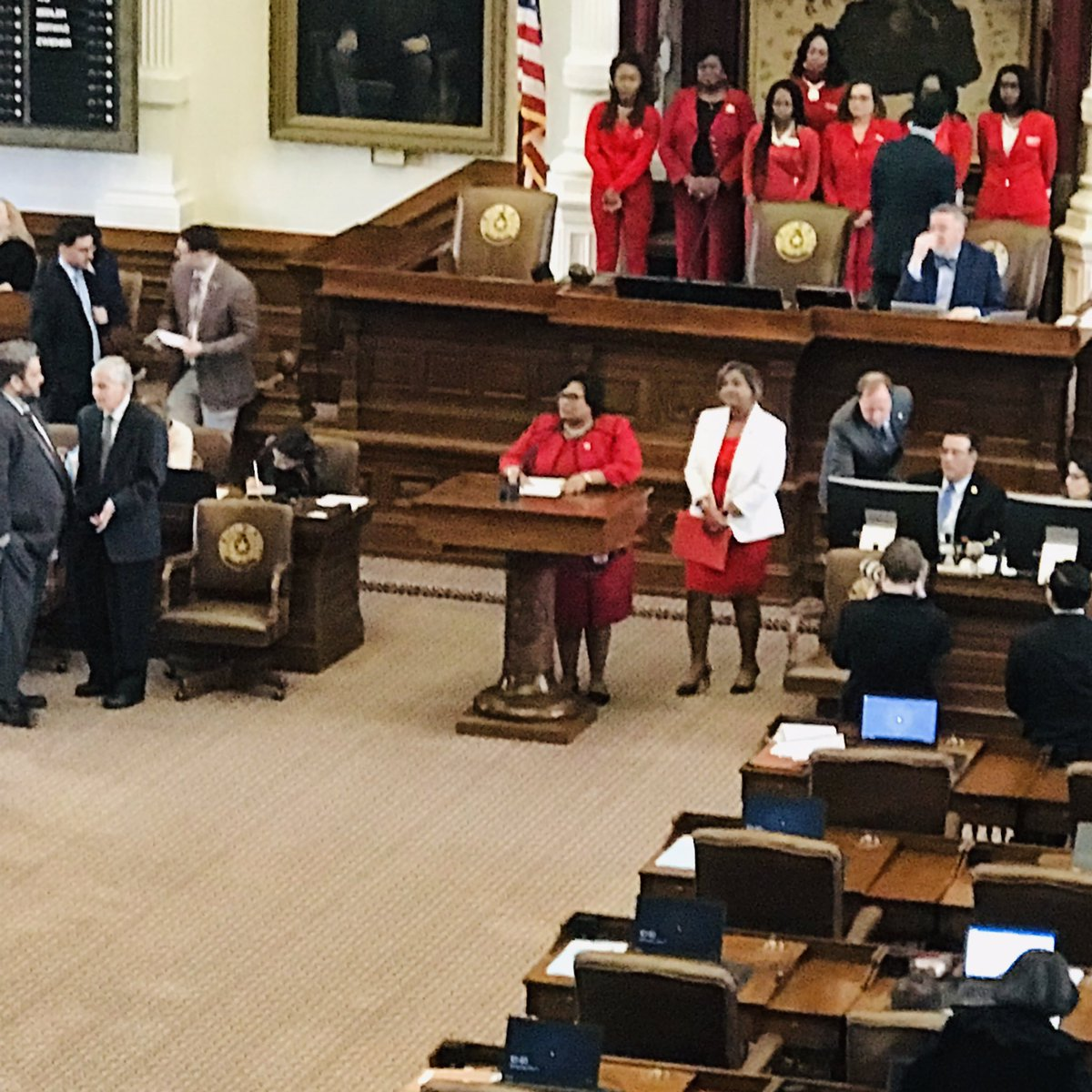 The #Deltas Are Coming .... The #Deltas are Coming.... It's #Red&amp;WhiteDay at the #TexasStateCapitol @RepToniRoseTX #DeltasStateCapitolDay<br>http://pic.twitter.com/dfFA6u6dqy