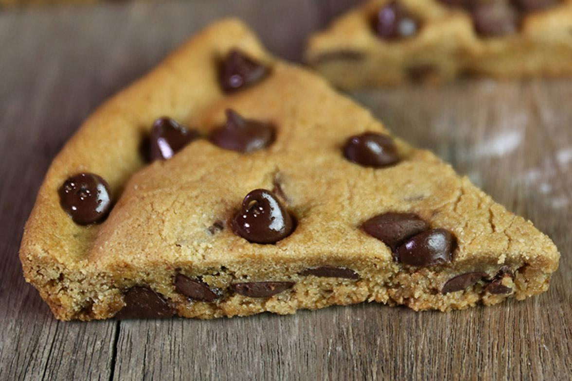 Sometimes you have to let the chips fall where they may. And hopefully, that's our mouth. #NationalChocolateChipDay <br>http://pic.twitter.com/torq57GFXF