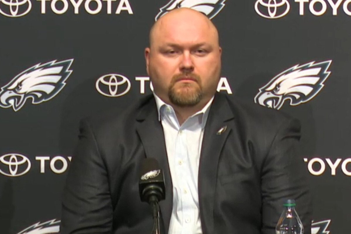 This is Joe Douglas. Nothing has ever been as important to me as this man becoming the next general manager of the Jets <br>http://pic.twitter.com/YSF7vBify0