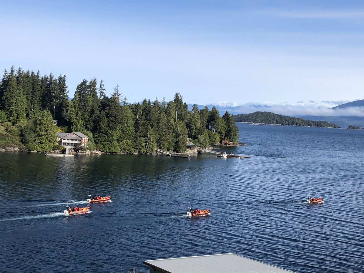 A beautiful morning in Bamfield! The coastguard are practicing their manoeuvres.