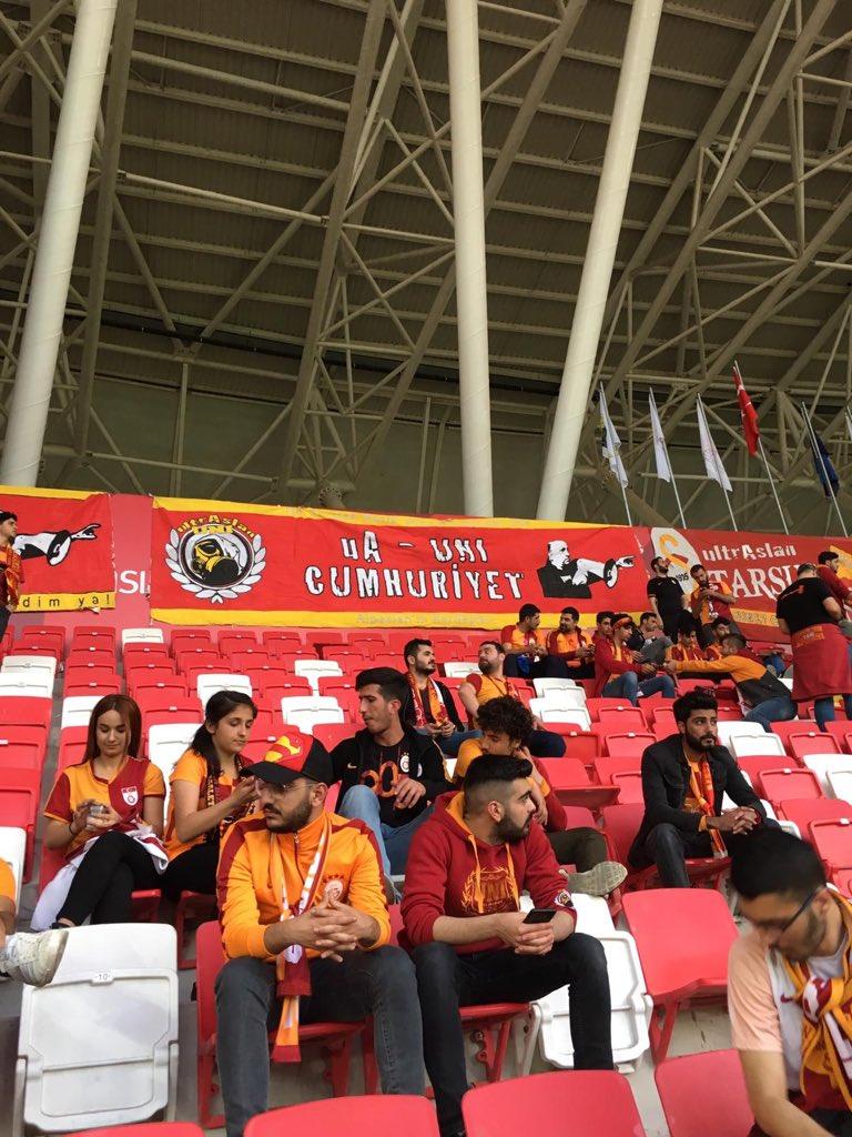 KUPALARA LAYIKSIN SEN ŞANLI GALATASARAY!Galatasaray- Akhisar Türkiye kupası finalinde takımımızın yanındaydık.ORTADA BİR KUPA VARSA HEPİNİZE GEÇMİŞ OLSUN#ultrAslanUNI