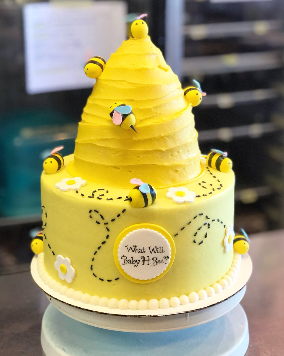 What will it bee?? 🐝 #genderreveal #baby #bee #cake #customcake #frostingsva #rva https://t.co/LxeexT5phB