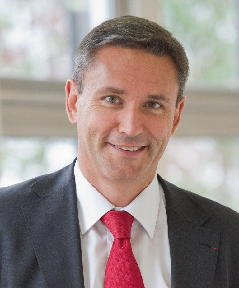 Eric Beranger, ex-Pdg de OneWeb et d'Astrium Satellites @Airbus, est nommé CEO de #MBDA à compter du 1er juin   https://www.mbda-systems.com/press-releases/eric-beranger-appointed-as-ceo-of-mbda/…