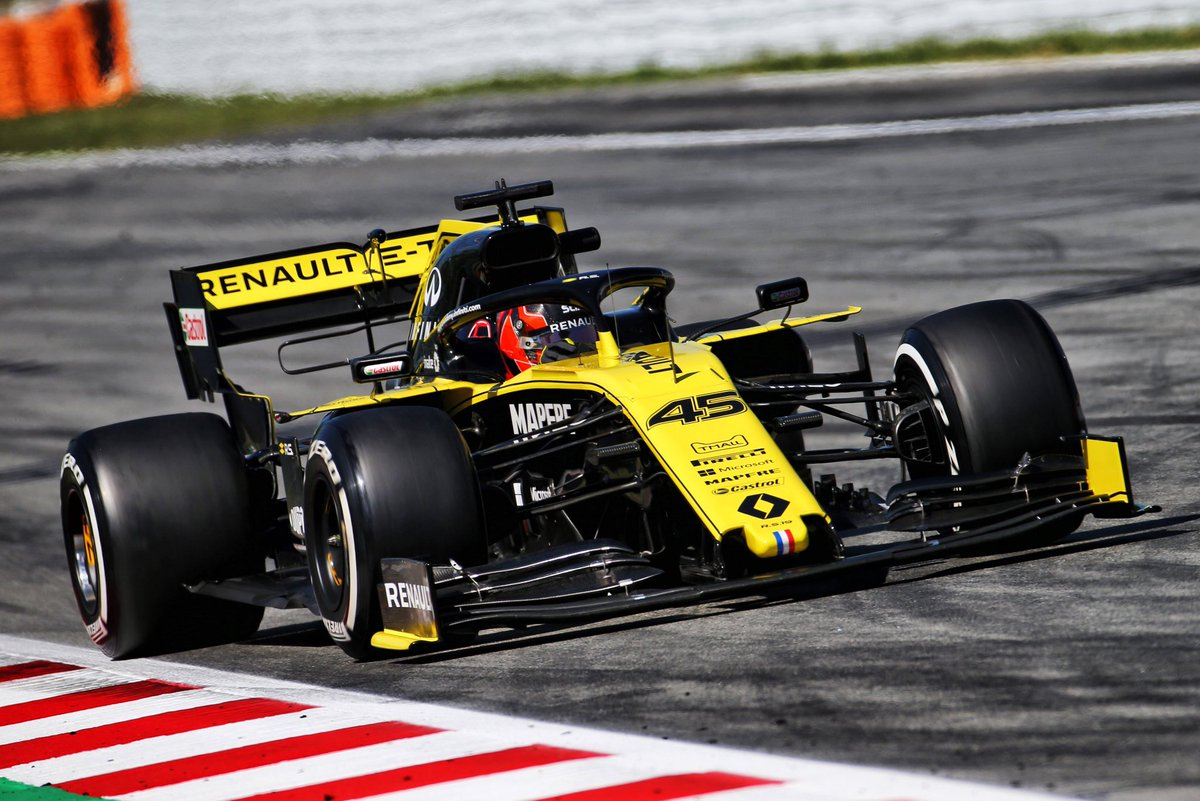 A few niggles here and there, but that's testing, and still logged plenty of laps, even a few quick ones 👀 Thanks @renaultf1team for another 75 laps in the yellow machine 😊 – at Circuit de Barcelona-Catalunya