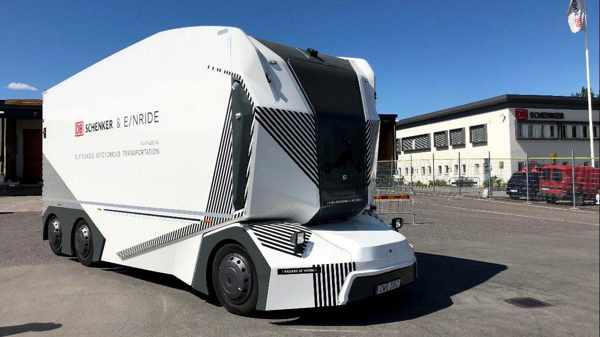 Driverless electric truck hits Swedish roads https://reut.rs/2HqukQf