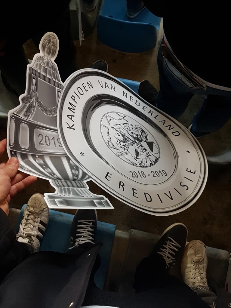RT @marlonveldman: Deze gaat zo op Marktplaats. Limited edition. #graaja #dubbel #kampioen https://t.co/OXHRboXrvl