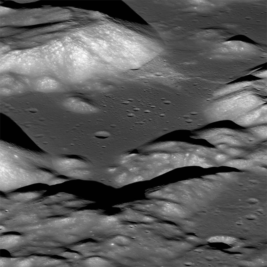 Just like a grape wrinkles as it shrinks down to a raisin, @NASAGoddard researchers say the Moon gets wrinkles as it shrinks. And, when that happens, a moonquake can occur. LEARN MORE >> go.nasa.gov/2Q2wzwI