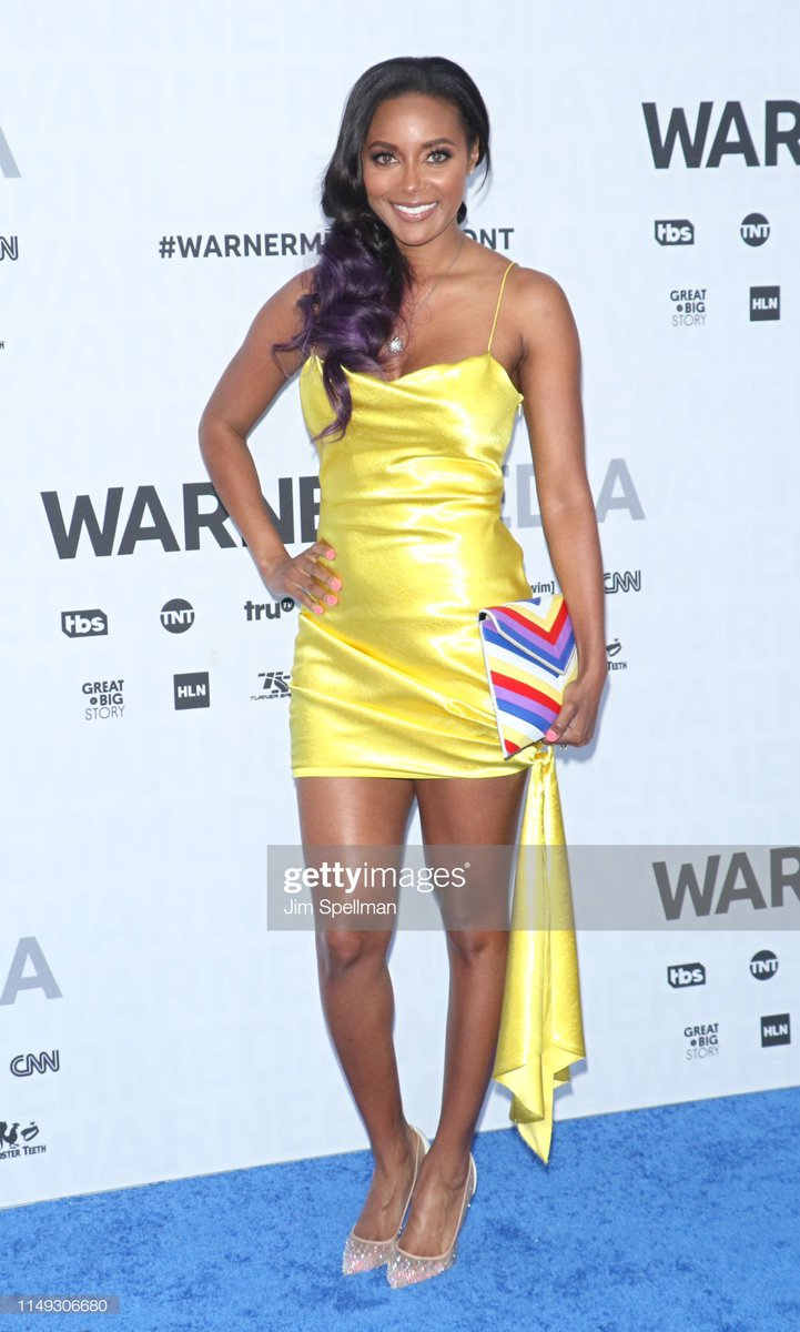 Never be afraid to wear yellow.  #WarnerMediaUpfront #AEW #TNT<br>http://pic.twitter.com/nTUmWVrjFH