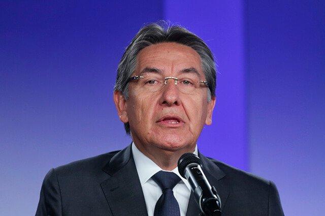 #Ampliación Néstor Humberto Martínez renuncia a la Fiscalía General tras decisión de la JEP sobre Santrich https://buff.ly/2LJG71p