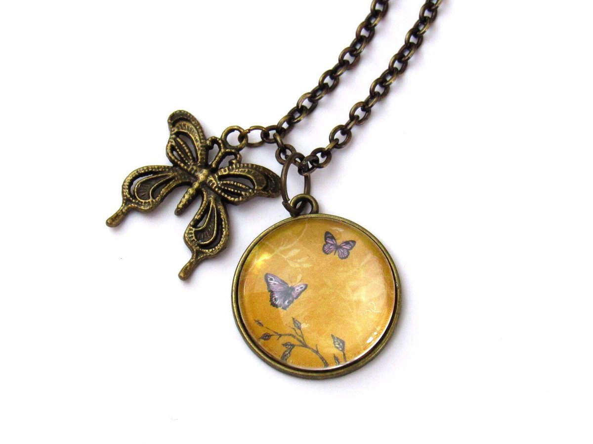 Jewellery item from my #etsy shop:  Butterfly Necklace &amp; gift box      https:// etsy.me/30m1pFB  &nbsp;    #HandmadeHour #etsymntt #etsyjewelry #etsyseller #handmade #necklaces #Butterfly<br>http://pic.twitter.com/oWF4N1QY53
