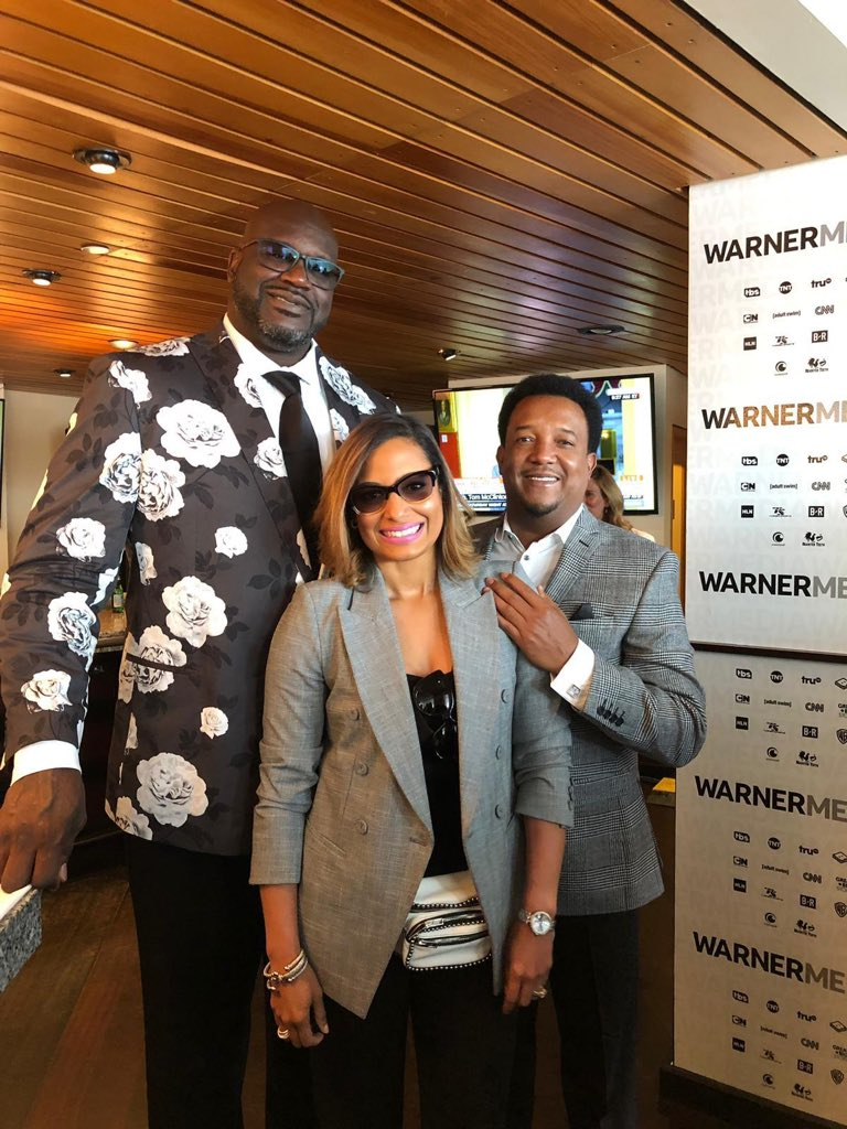 Huge thanks to everybody at Warner Media Group, and everybody who came out to #warnermediaupfront. I wanna give a special shout out to my man @Shaq! Not many people could pull off that suit, but the big guy makes it look good!   What do you think, should I try one like that?<br>http://pic.twitter.com/fk3PzTBn2W