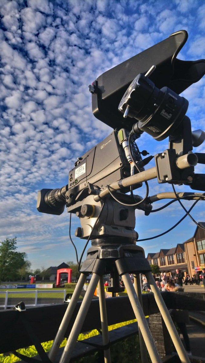 test Twitter Media - @punchestownrace looking fab in the evening sun #GoToTown #HumpDay #WhereChampionsGo https://t.co/bFLqi9QORJ