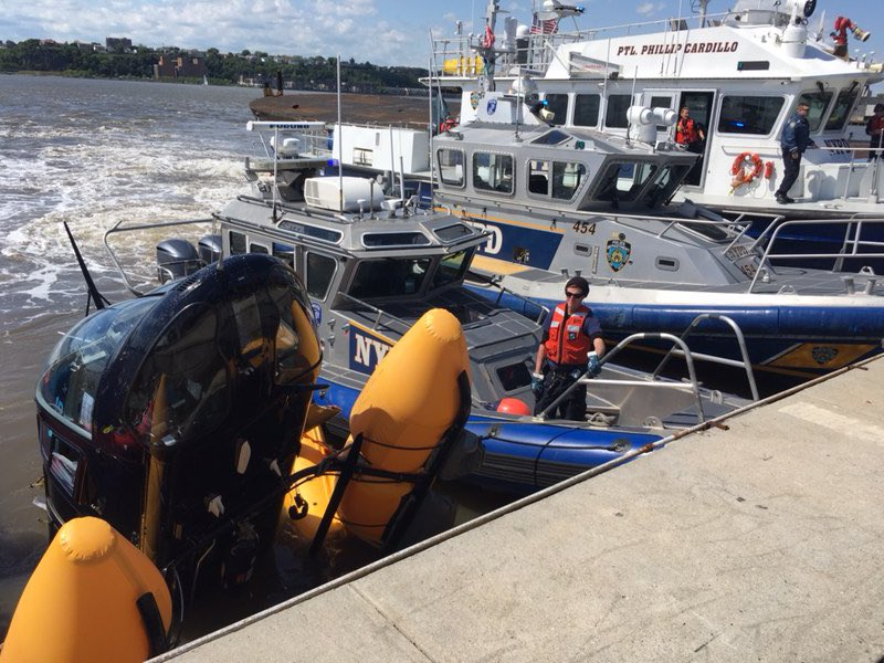 #NYPD Harbor secures a helicopter that fell into the Hudson River moments after taking off from the W 30th Street heliport. The pilot was uninjured and safely removed to land by a nearby passenger ferry. <br>http://pic.twitter.com/3SZtpByEe7