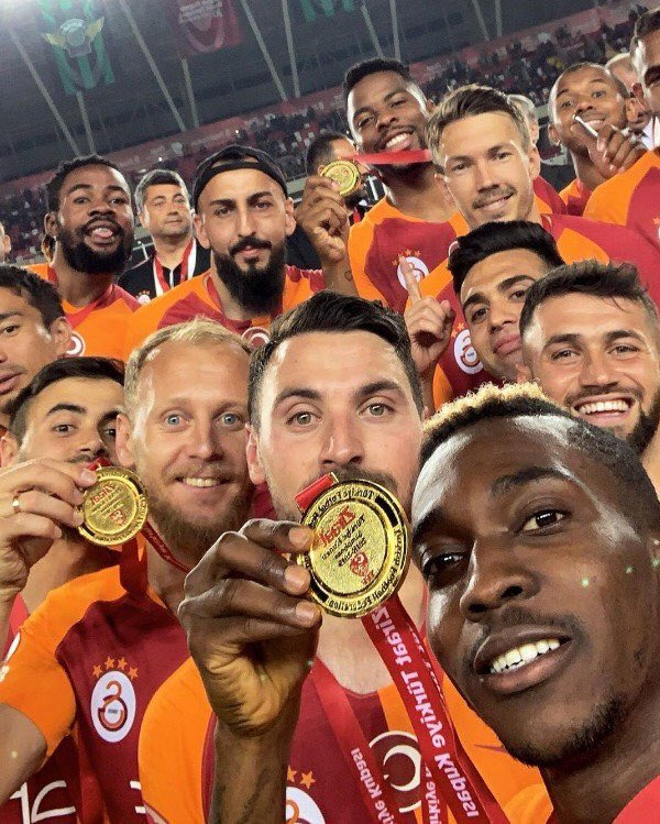 Hey, we have something for you @Fenerbahce, is this familiar to you #KupaBeyiGALATASARAY