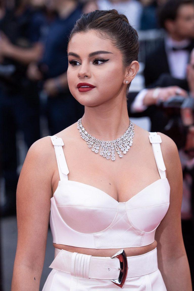Selena gomez young nudes
