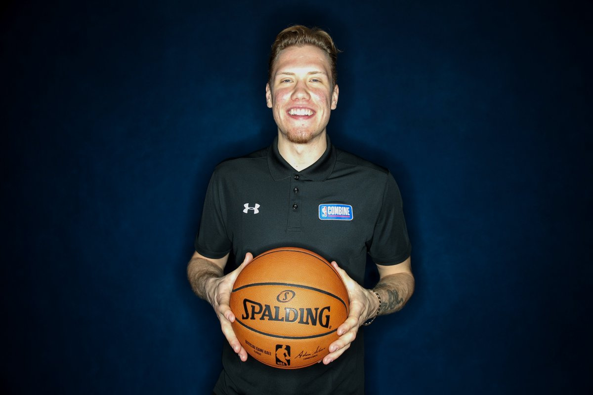 Big Ten Freshman of the Year 🙌  @_iggy_braz (@umichbball) at the #NBACombine Powered by Under Armour!