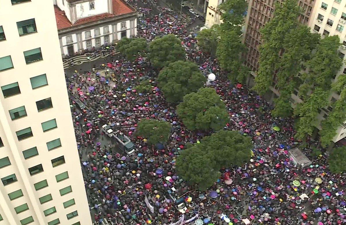 RJ: universidades e escolas suspenderam as atividades para protestar. Na Região Serrana tem registros de manifestações em Petrópolis, Teresópolis e Nova Friburgo e algumas escolas não tiveram aulas => https://glo.bo/2Hlqb0T #G1