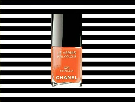Love Chanel 〰 love Chanel nail lacquer 💕 Even the bottle is a work of art - the base reminds me of  Manet's 'Flowers in a crystal vase'  Stripes are mine  #CHANEL #CHANELHauteCouture #CHANELinCannes #nailart #lacquer #beauty #beautiful #Franco  #art #artist #artists #photo