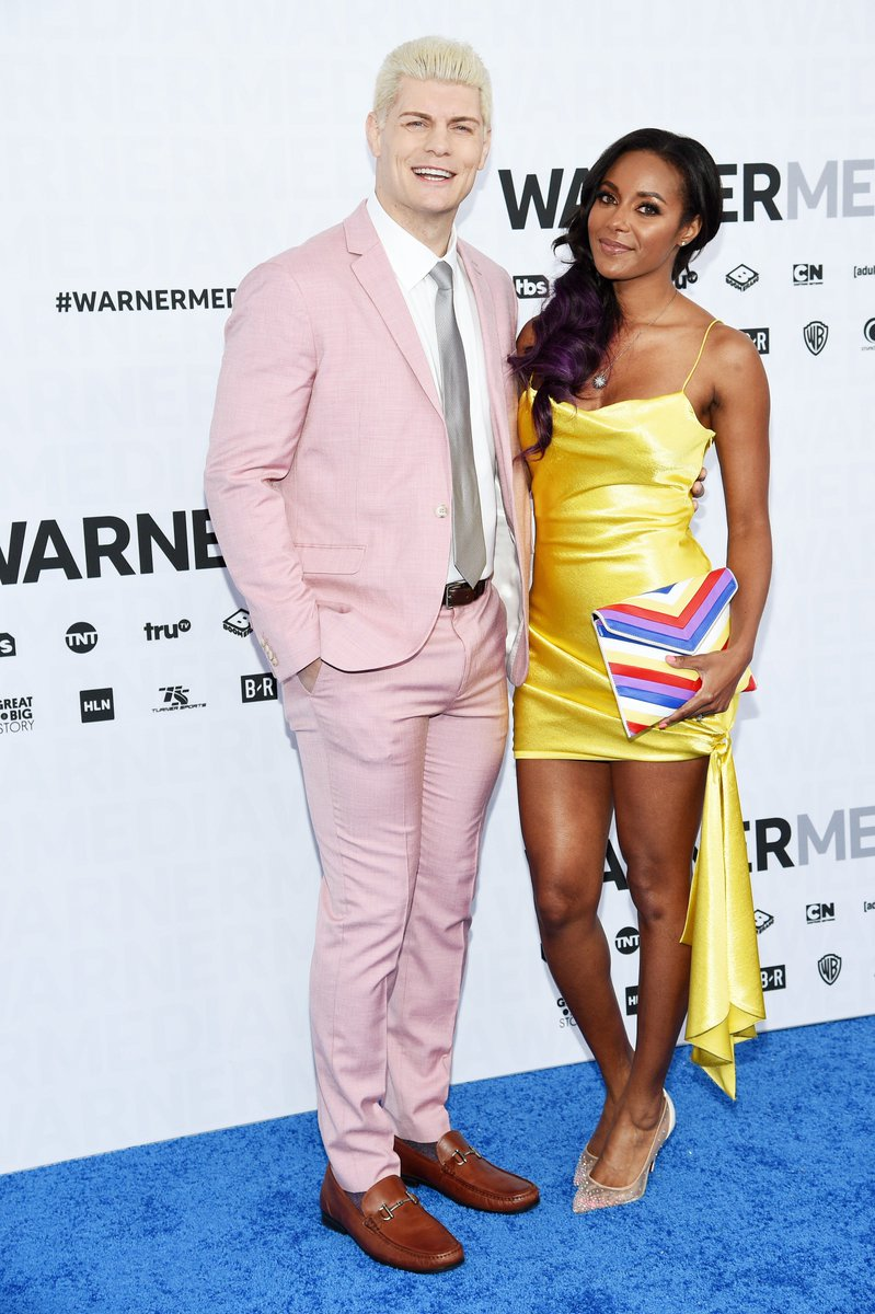 .@CodyRhodes & @TheBrandiRhodes do make this blue carpet thing look good. #WarnerMediaUpfront #AEW<br>http://pic.twitter.com/aSRnXYeqWK
