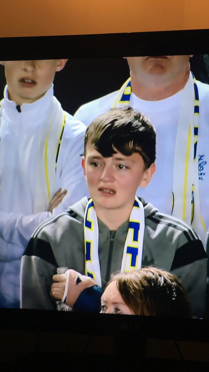 Children crying, you just love to fucking see it #LUFC