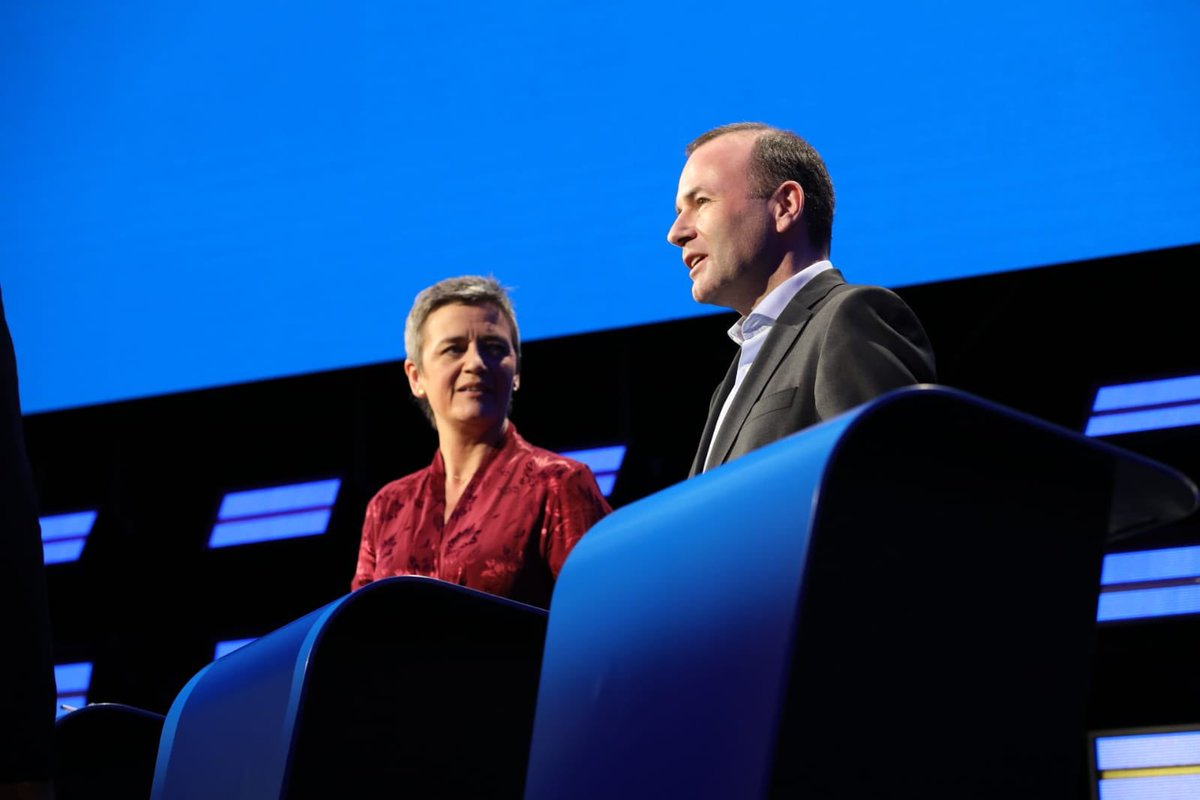 My grandfather would tell me: Manfred, this is the best Europe we ever had. We still have work to do: I want to open a new, democratic chapter for the EU. I envision a European Union which is strong, smart and kind. #EurovisionDebate #TellEurope <br>http://pic.twitter.com/sg60lL0sZY