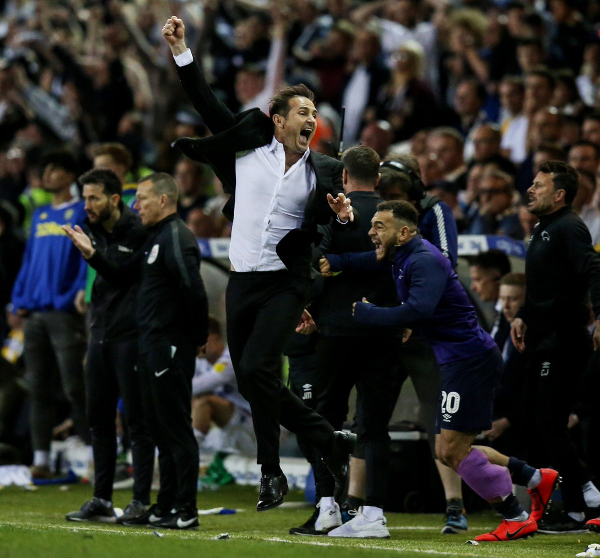 """Frank Lampard after the first leg: """"With some of the comebacks we've seen in football lately, I don't want anyone thinking this is over yet."""" Not wrong. 🔮 #EFL 