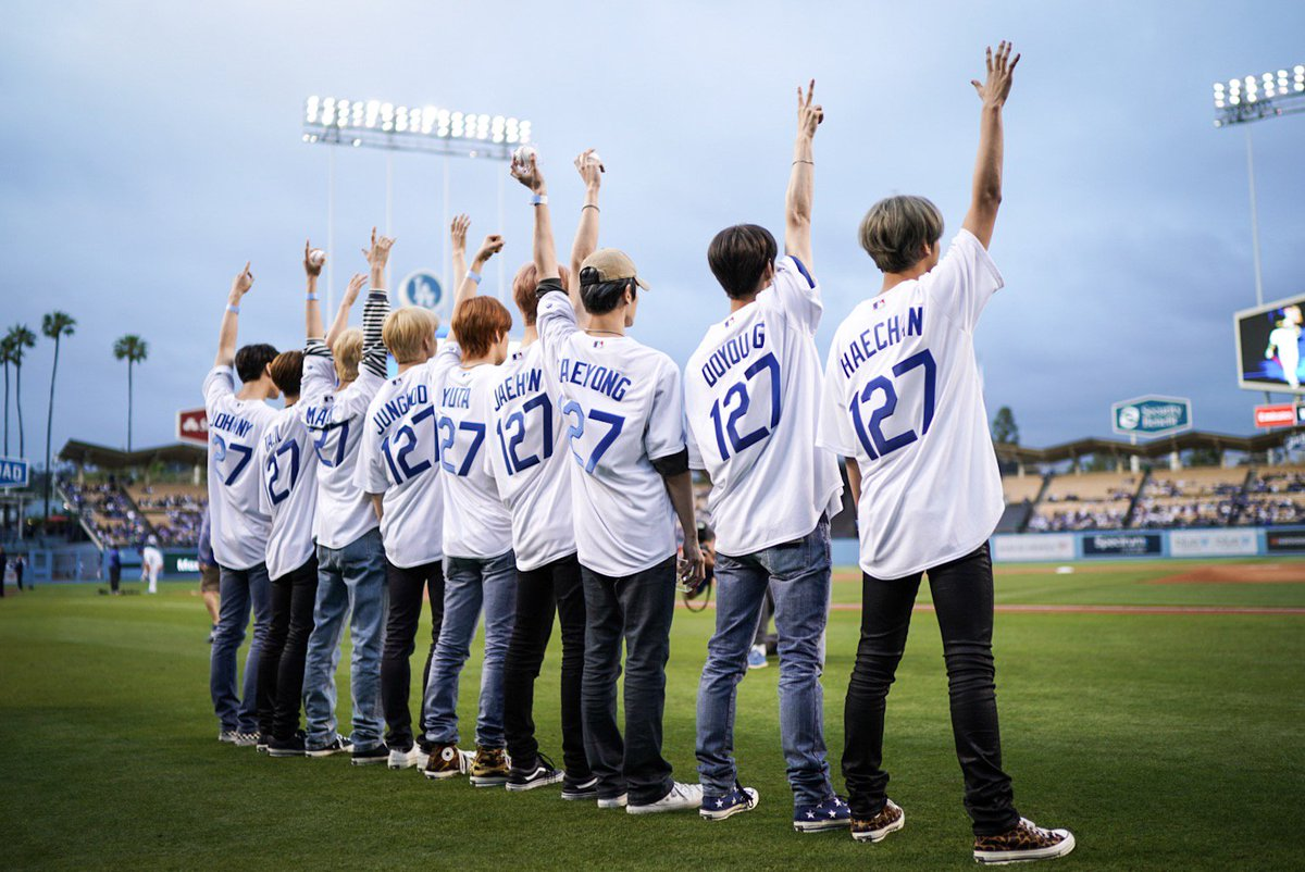 .@NCTsmtown_127 is taking in tonight's Dodgers game.