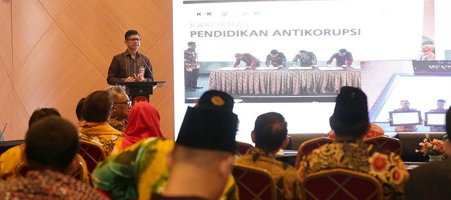 KPK Tagih Implementasi Materi Antikorupsi di Kampus kpk.go.id/id/berita/beri…