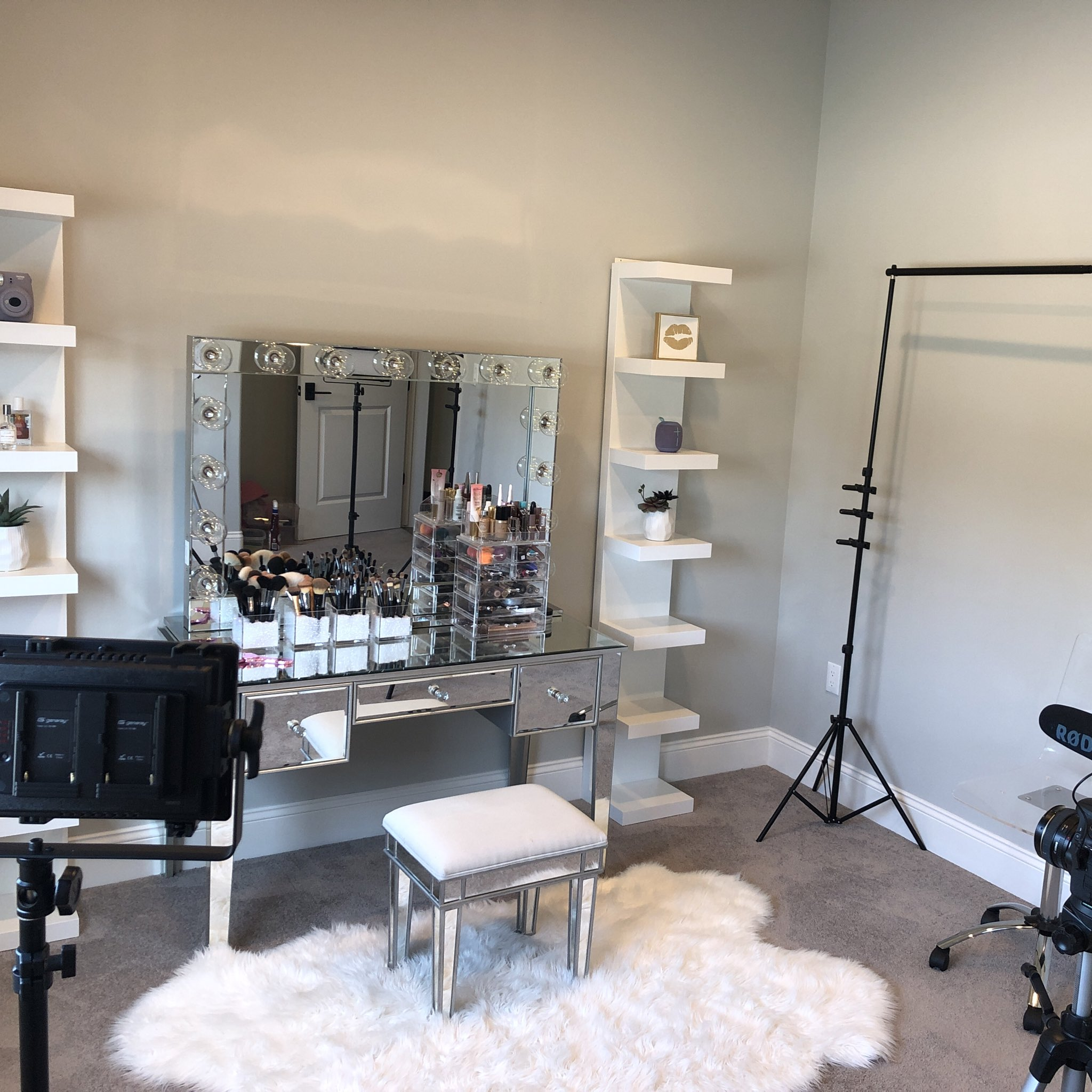 Lisette On Twitter New Video Is Up Creating My Beauty Filming Room Https T Co Fgt3wjb9pd