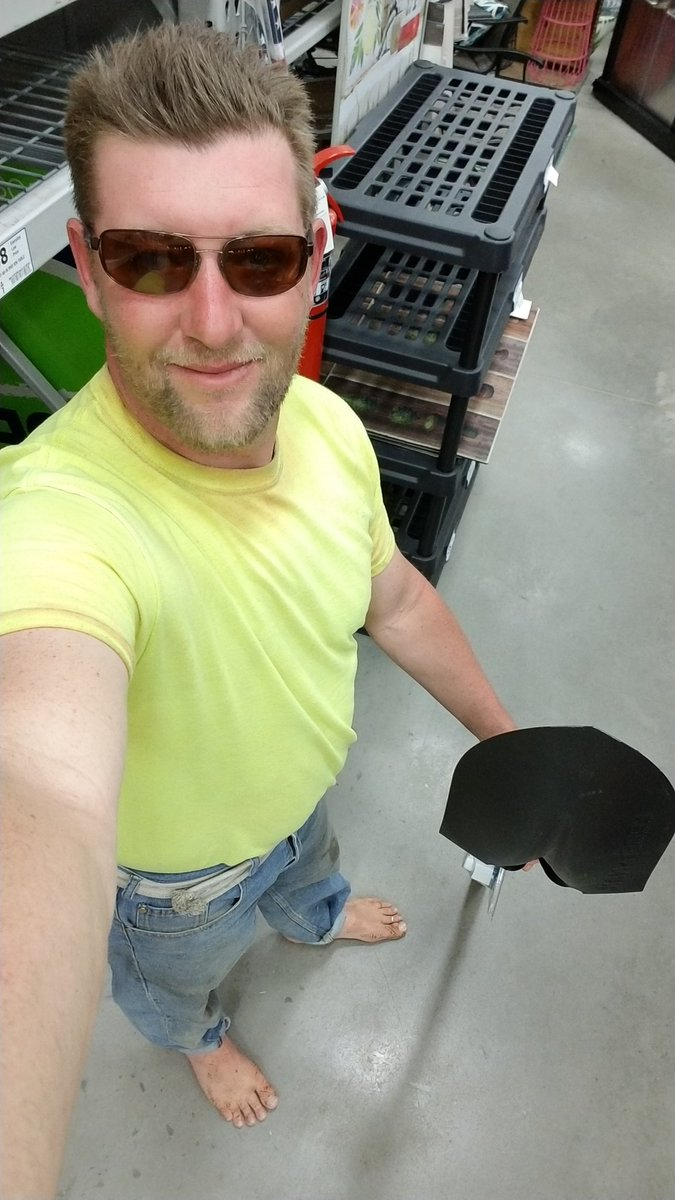 #ThingsThatBoreMe  Wearing shoes! You can&#39;t feel all the world have to offer your sense of touch even in bare feet! @Lowes lumber isle is a fun experience when you&#39;re #barefoot #BarefootIsLegal #barefootishuman #ThisIsHowIBarefoot<br>http://pic.twitter.com/6oDeJHzYS6