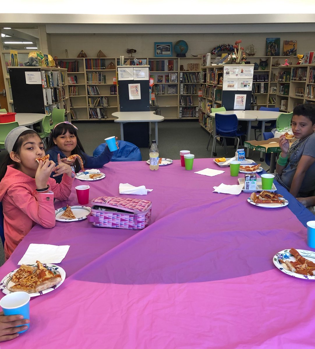 Celebrating the end of a successful book club: these <a target='_blank' href='http://twitter.com/BarcroftEagles'>@BarcroftEagles</a> read &amp; thought deeply about The BFG &amp; The One and Only Ivan. Great dialogues, Eagles. <a target='_blank' href='http://twitter.com/missspohn'>@missspohn</a> <a target='_blank' href='http://twitter.com/kiakinsler'>@kiakinsler</a> <a target='_blank' href='http://twitter.com/APSLibrarians'>@APSLibrarians</a>  <a target='_blank' href='http://twitter.com/GabyRivasAPS'>@GabyRivasAPS</a> <a target='_blank' href='http://twitter.com/APS_ELA_Elem'>@APS_ELA_Elem</a> <a target='_blank' href='https://t.co/3uQjYp0tZW'>https://t.co/3uQjYp0tZW</a>