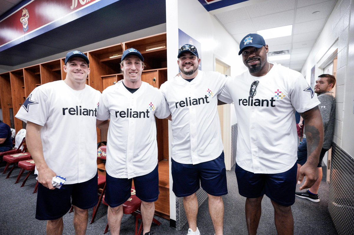 The 2019 @reliantenergy HR Derby benefiting @SalArmyDFW is here! ⚾️ #ReliantDerby #CowboysHuddleFor100