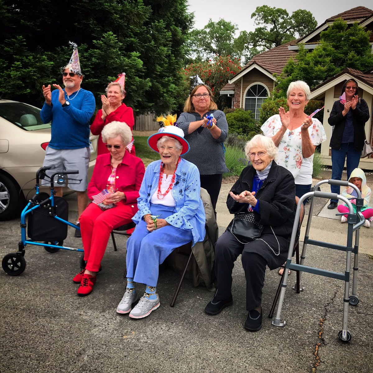 BEST. STORY. EVER. We just covered the event of the century! Well, of Millie Forry's century, at least. This Roseville woman turns 100 today, and all she wanted for her birthday....was a parade. And boy, did she get one! 🥳🎉👵🏼🎂🎈