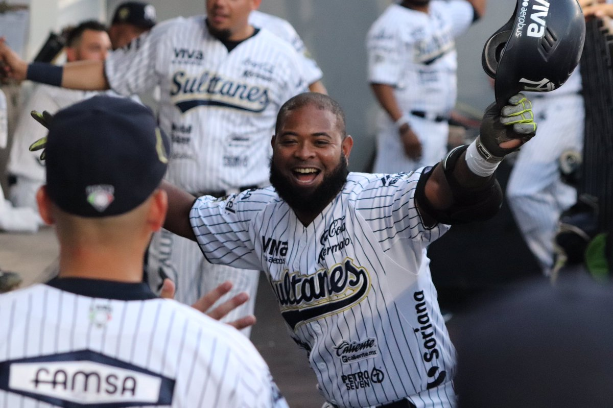 Image result for yamaico navarro weith sultanes de monterrey images