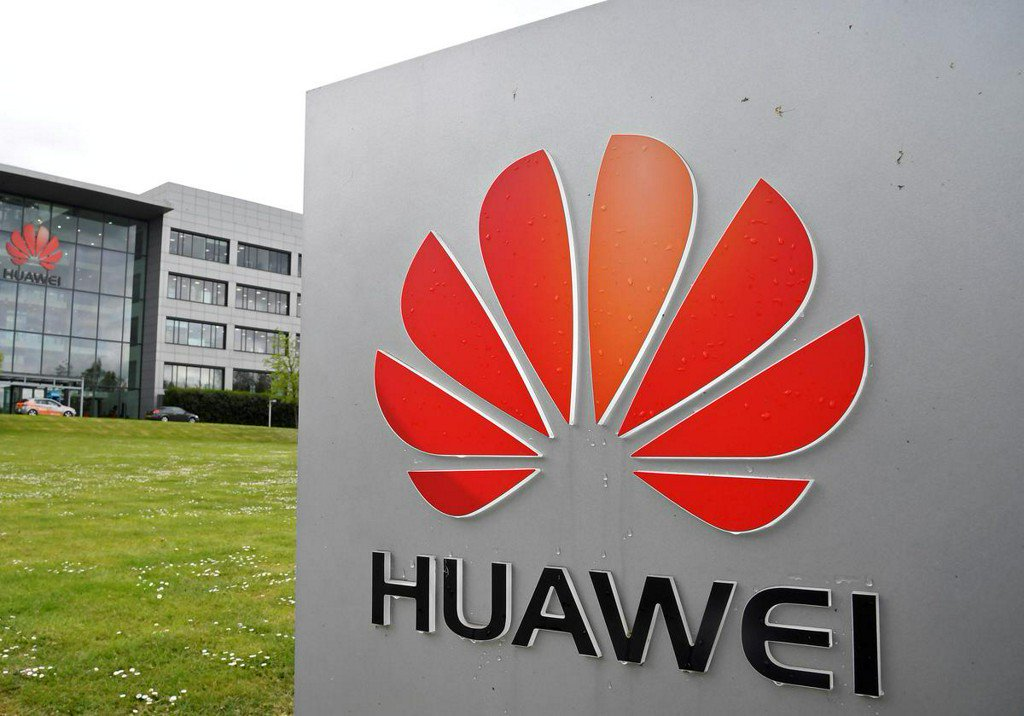 China's Huawei, 70 affiliates placed on U.S. trade blacklist https://reut.rs/2HnLWNU