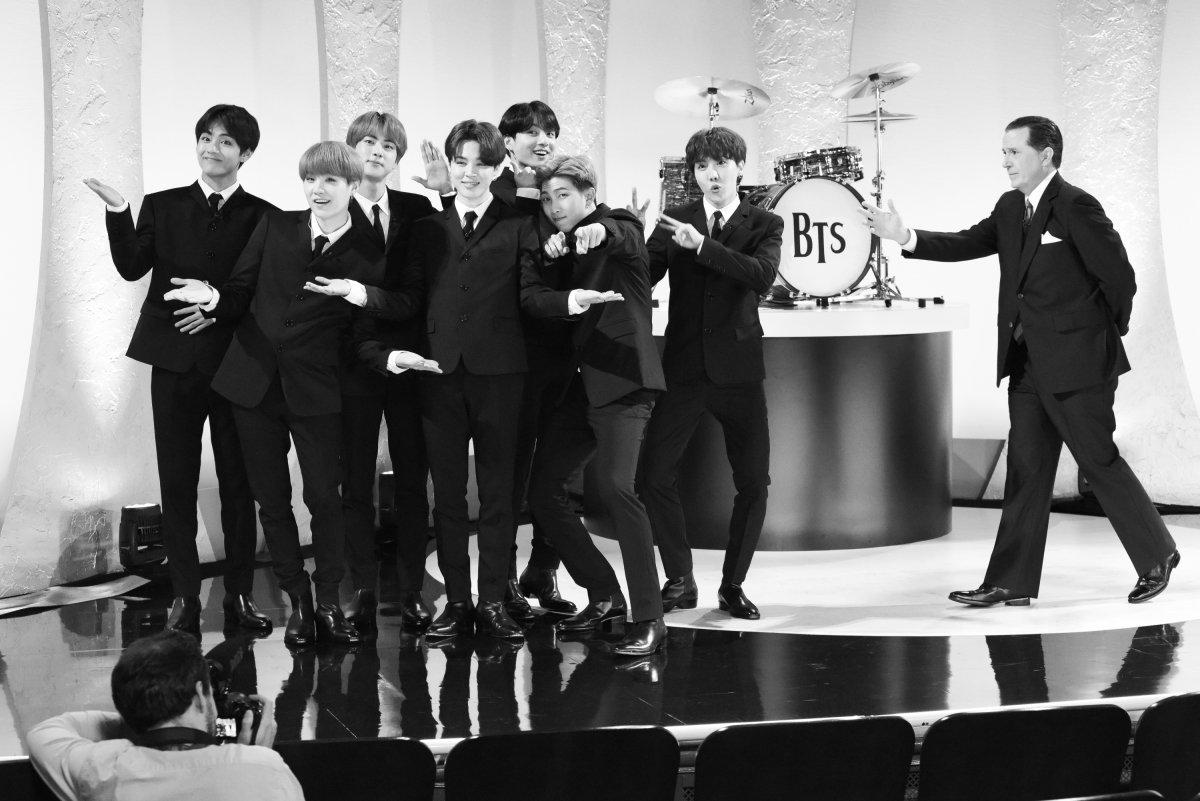 "BTS (Bangtan Boys) >> Album ""Map of the Soul: Persona"" - Página 4 D6pxlohW4AUpFZq"