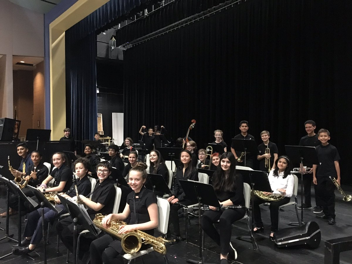 The UMS Jazz Band concert performed with the UHS Jazz Band tonight! #weareVPA #watchusSOAR <br>http://pic.twitter.com/w8eC8mKYgr
