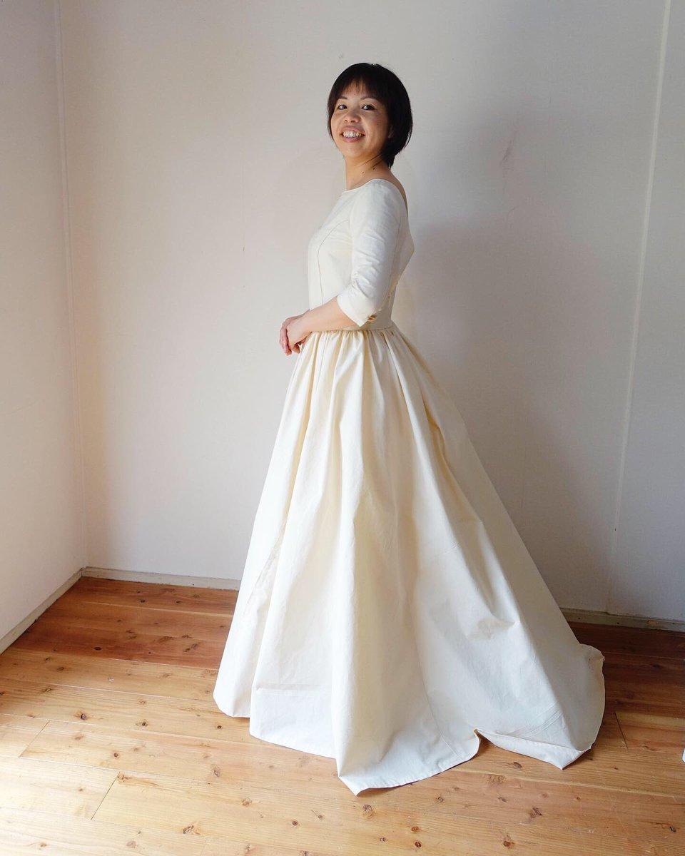 6ea72c60b58a0 微調整して これから本パターン→本縫製に入ります ウェディングドレス  オーダードレス  オーダードレス製作風景  カラードレス  シルクドレス   レース  happywedding ...
