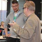 Image for the Tweet beginning: @mfg40fi-professorit tutustumassa #innokas2019-kilpailutöihin. Varsinkin free