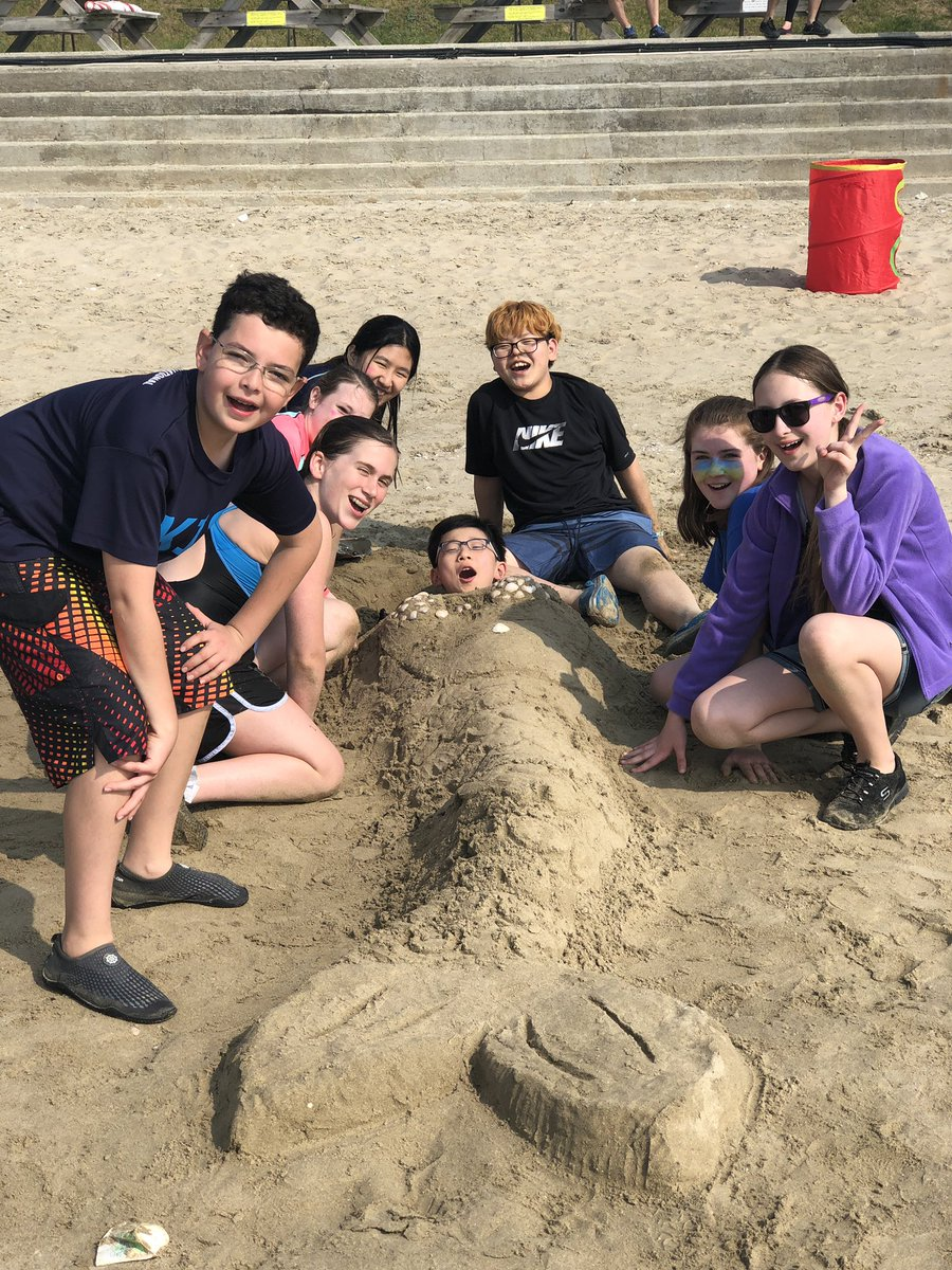 Highlights of day two of the 7th grade EE trip. Grilling on the beach. 12k hike, playing on the beach, and now it's cookout time! #kispride