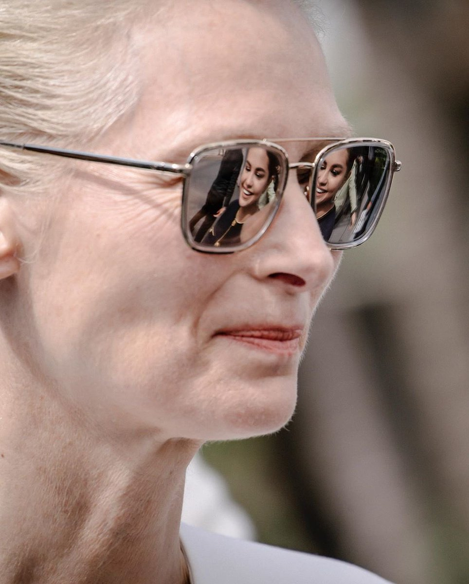 Selena Gomez being reflected in Tilda Swinton's sunglasses is a work of art