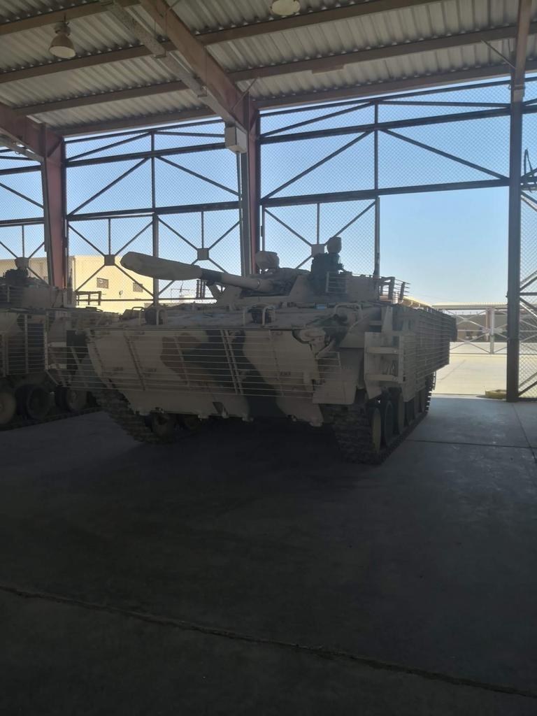 العراق يستلم بضعة دزينات من العربة القتالية الروسية BMP-3. - صفحة 2 D6rZT-GXoAADksQ