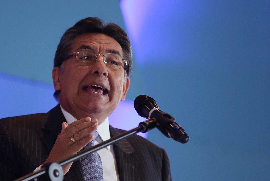"""¿Qué opina acerca de la renuncia de Néstor Humberto Martínez a su cargo como fiscal general tras la suspensión de la extradición de """"Jesús Santrich""""? Opine con #LaRenunciaDelFiscal >> http://bit.ly/2HkVLfo"""