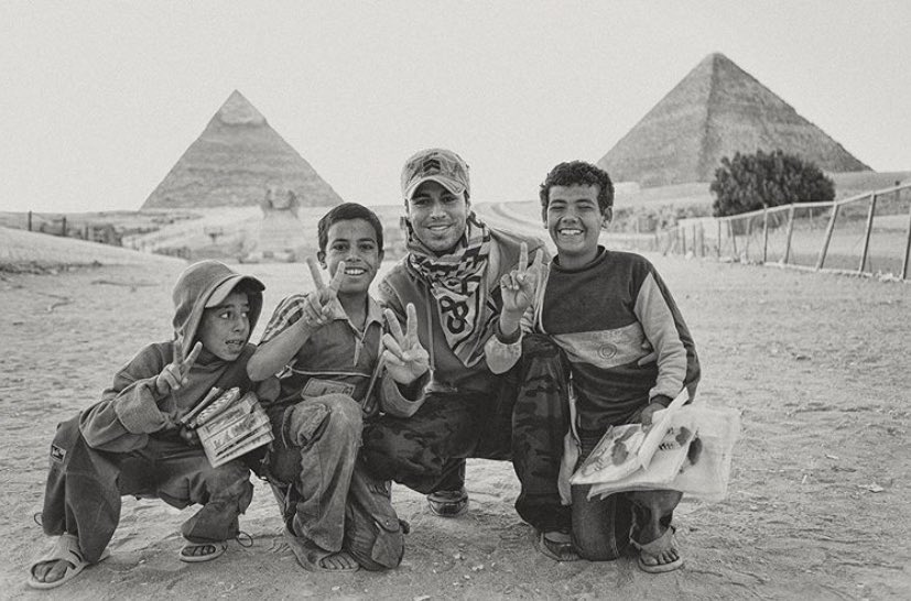 #TBT this was one of those unforgettable days… we almost didn't make it in time to see the pyramids and ran into these kids with smiles a mile wide… they made this moment unforgettable.  Still one my favorites of all time ✌️ https://t.co/CptuClxgEZ